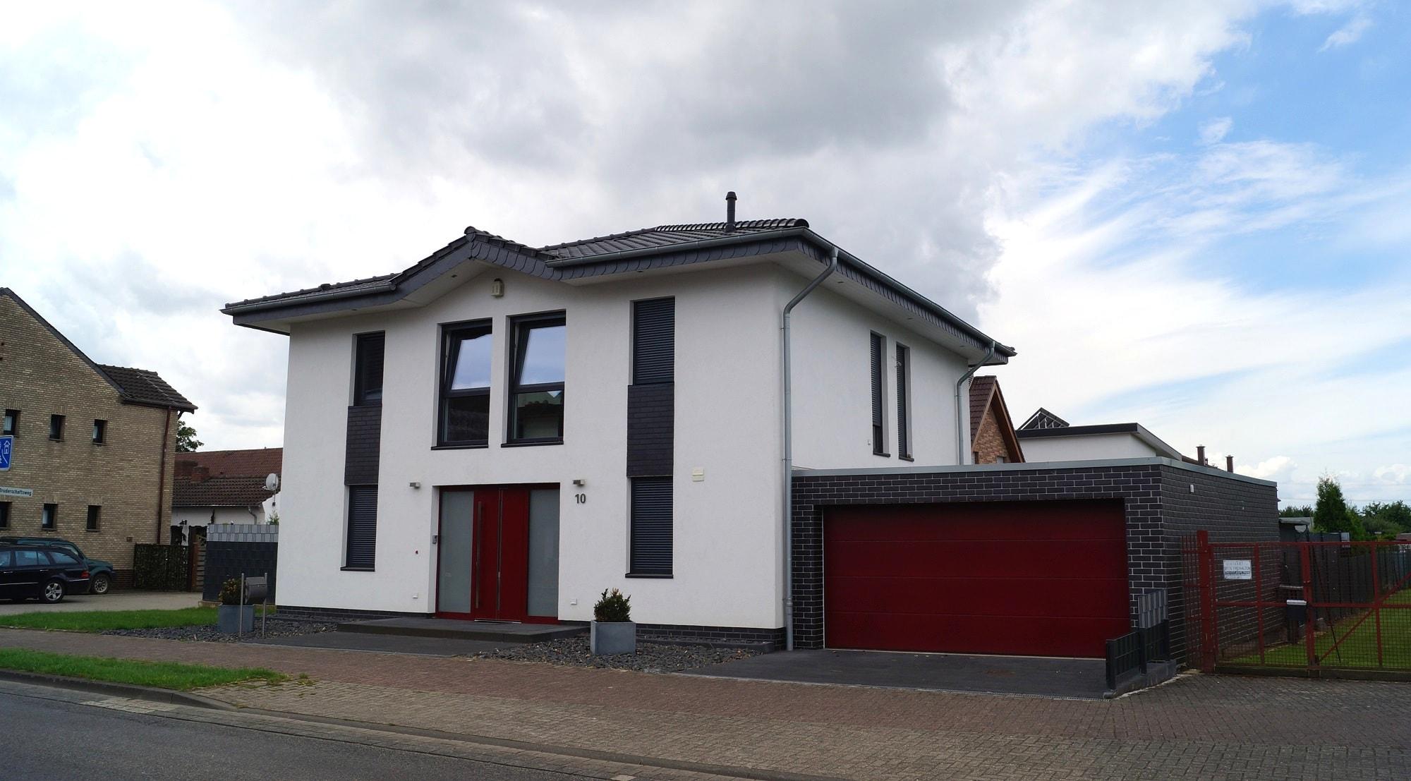 Villa mit Zeltdach 001